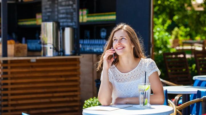 Обмануть улыбкой мозг: Учёные объяснили особенность мимики