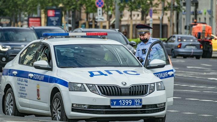 Полиция расследует странные самоубийства водителей в Москве. Погибшие предпочли задержанию смерть