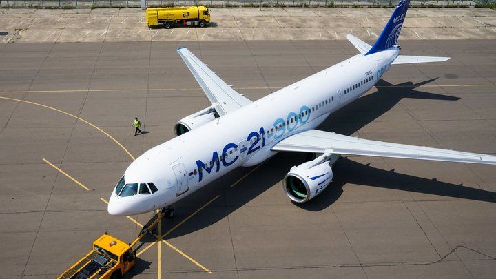 Новый русский самолёт с двигателем производства России впервые поднимется в небо: Названы сроки