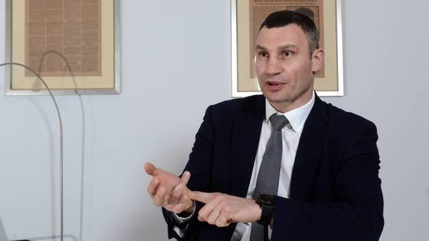 Мэр Киева Кличко пообещал радовать украинцев перлами еще минимум 10 лет