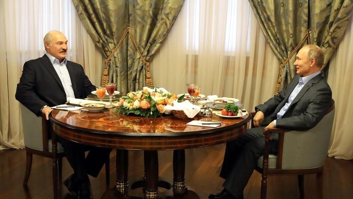 Повторил спустя четыре месяца: Журналист кремлёвского пула заметил совпадение предложений Путина и Лукашенко