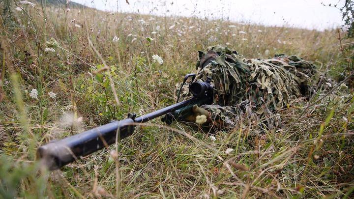 Убили выстрелом в спину безоружного: ВСУ расквитались с бойцом ДНР, чинившим крышу старикам