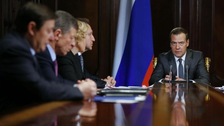 Давление на бизнес: Медведев поручил к осени разработать законопроект о неналоговых платежах