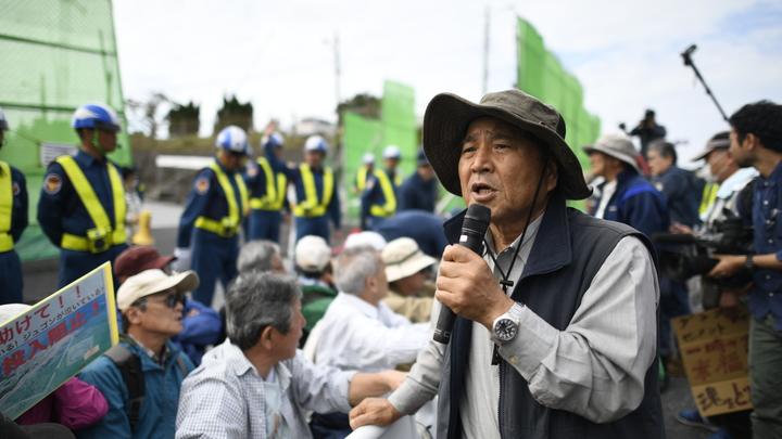 Абэ пообещал положить все силы на перенос самой опасной в мире базы США, несмотря на итоги референдума