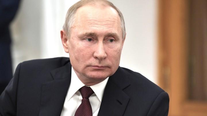 Путин лично оценил 18-зарядный пистолет для полиции и армии - фото