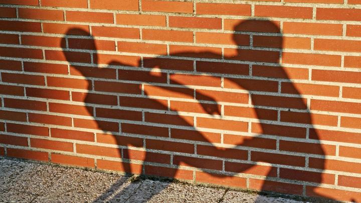 Шестеро на одного: 12-летнего подростка жестоко избили в Новосибирске