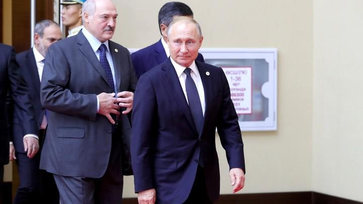 Показали класс!: Путин и Лукашенко прокатились на лыжах по сочинским трассам