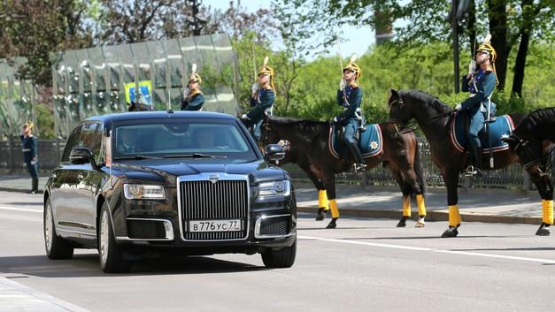 Путин доверяет отечественному автопрому: Лимузин заменит все другие авто президенту