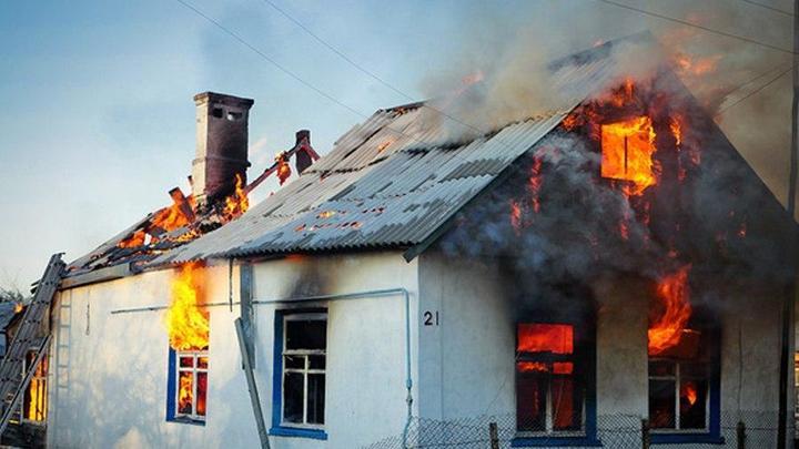 Ночной пожар в Ростовской области унёс жизни двух человек