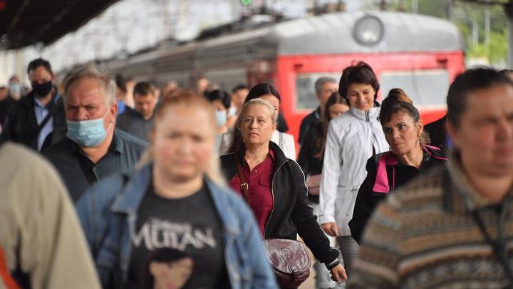 «Масочный режим» вернется в поезда МЦД, Московской и Октябрьской железных дорог