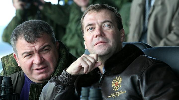 «Ша! Тихо!»: Заслуженный пилот России о том, как не особо умный Сердюков обставил Запад