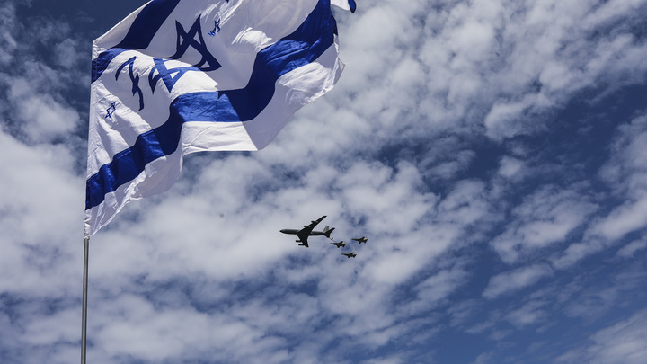 Это они так выясняют отношения: Политолог назвал скрытую и главную причину закрытия дипмиссий Израиля