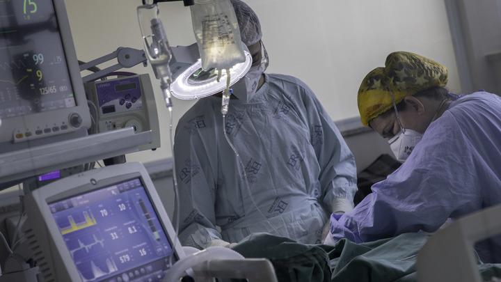 В каждом органе было воспаление: Парень чудом выжил после бессимптомного COVID-19