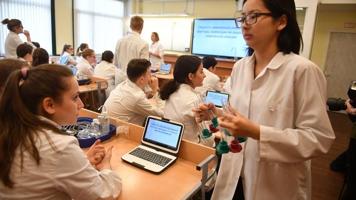 Неблагодарная изнанка благородной профессии: Почему в России не хватает учителей