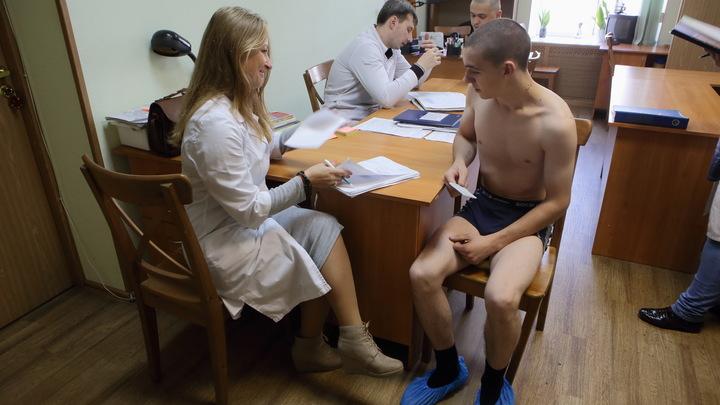 В Беларуси из-за четвёртой волны коронавируса приостановили профосмотры