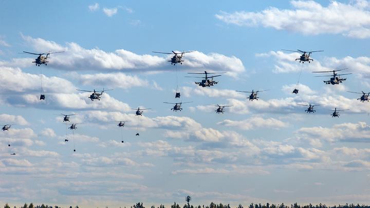 В Минобороны объяснили появление военных вертолётов над Минском