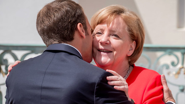 Меркель и Макрон: Встретились два одиночества