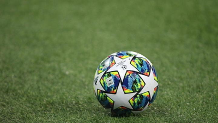 Новогодний подарок дошёл к весне: Мальчик с Ямала получил мяч с автографом известного футболиста