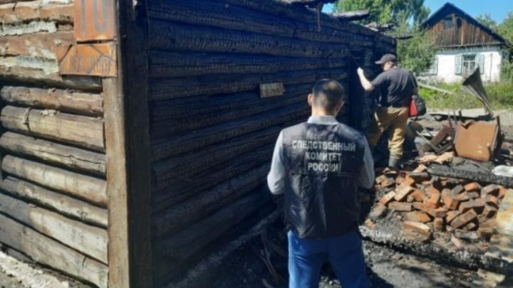 Две женщины сгорели при пожаре в частном доме в Кузбассе