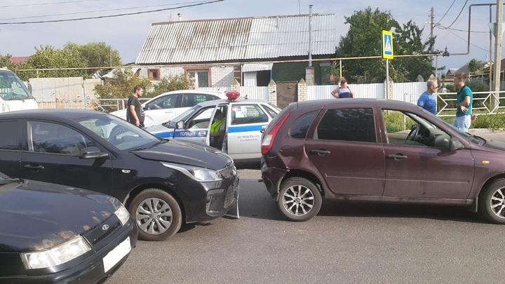 Сообразили на троих: в Самарской области произошло массовое ДТП с пострадавшими
