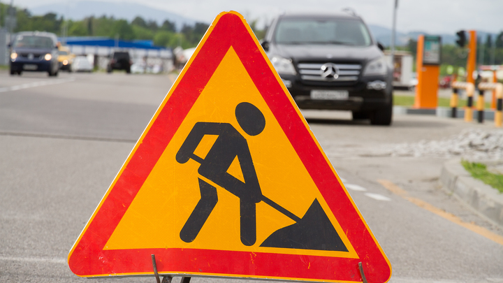 В Петербурге ливень изменил планы дорожников: съезд с КАД и Дачным проспектом перекроют позже