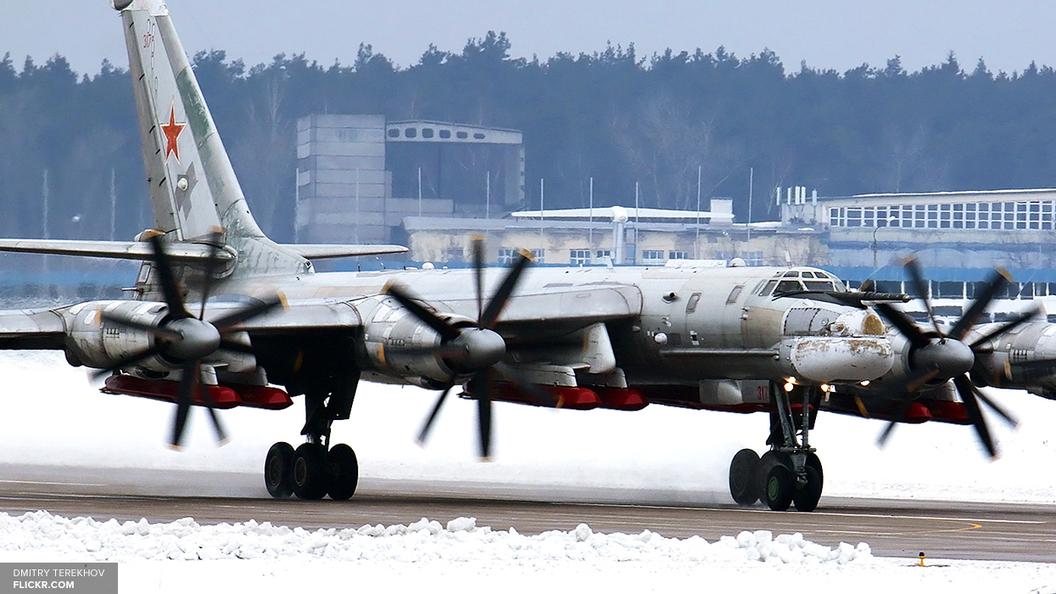 CNN: Российские Ту-95 четвертую ночь подряд облетают Аляску