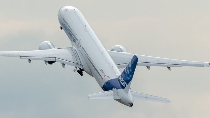 Почувствуйте разницу: Boeing спасает репутацию, а создатель Сухого Суперджета - животных