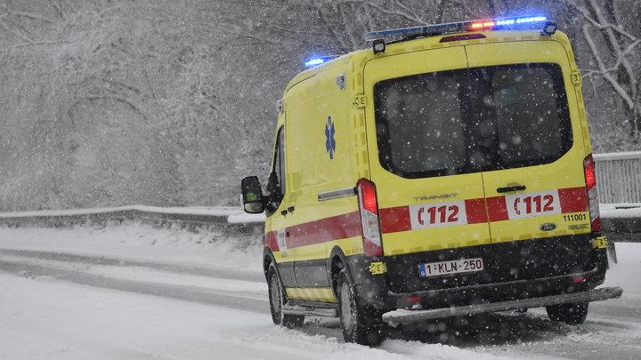 Новогоднее чудо: Молодой парень выжил после наезда на него двух электричек