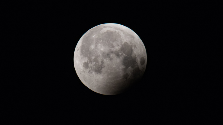 Лучше всего будет видно в Крыму и на Северном Кавказе: Лунное затмение – онлайн-трансляция
