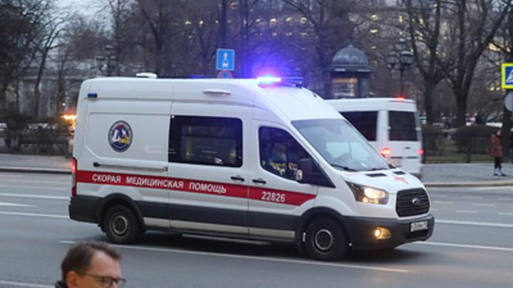Взрыв в жилом доме Магнитогорска: Горят сразу несколько квартир