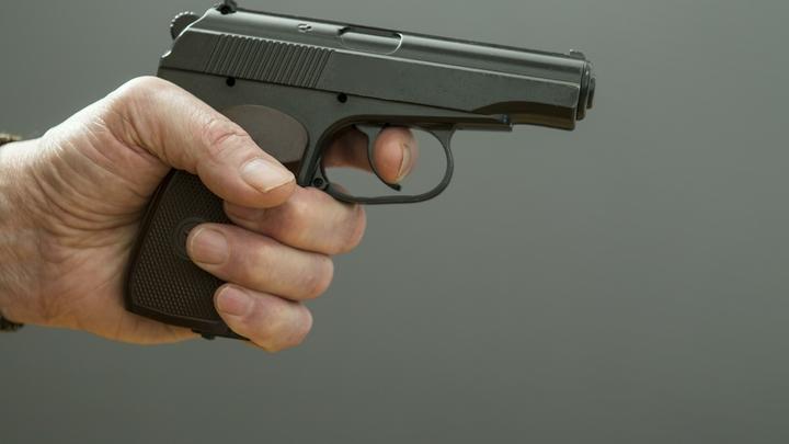 Ограбление со стрельбой в Петербурге: Мужчина в медицинской маске устроил налёт на банк