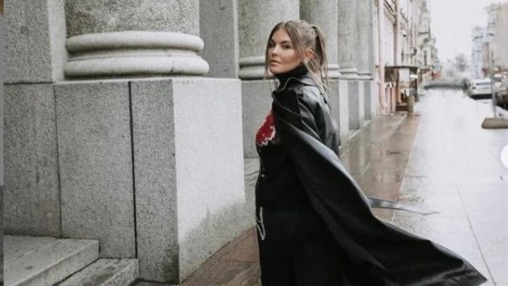 «Думала не смогу гулять без карты» Солистка Little Big рассказала, как переехала в Петербург