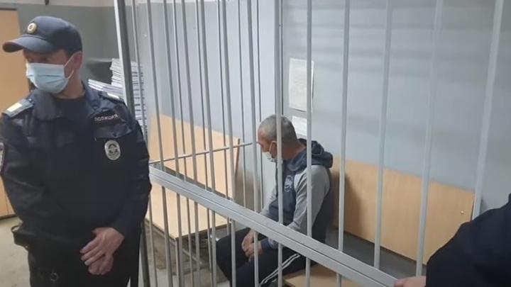 Уже стрелял в людей, но так и не сел: кто такой Сергей Болков, устроивший стрельбу в Екатеринбурге
