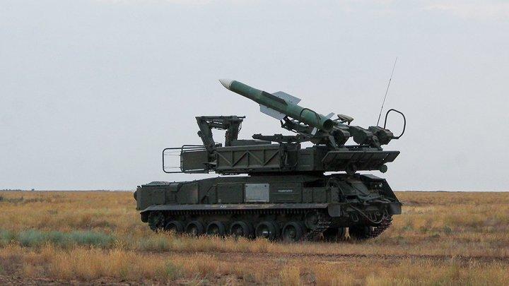 Снова провокация? Киев подогнал в Донбасс сбившие малайзийский Boeing установки Бук