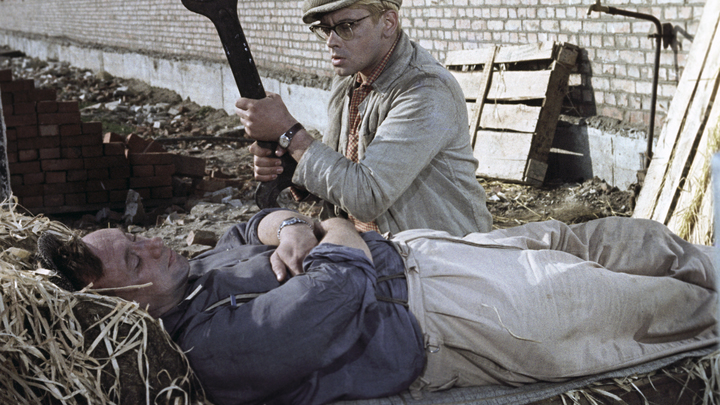 Тайну Приключений Шурика узнали спустя 55 лет: Взгляните внимательно на тунеядцев и хулиганов