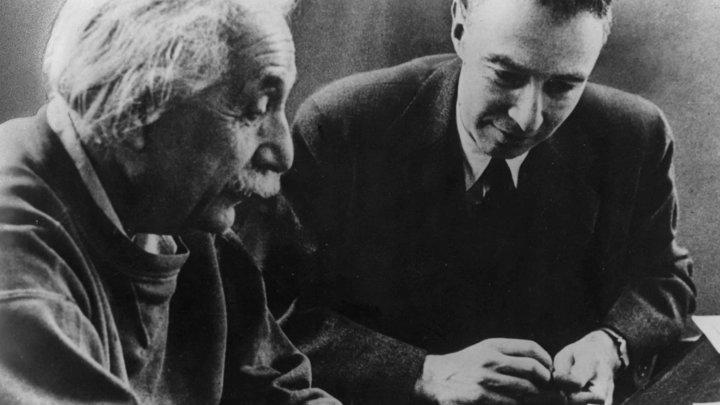 Эйнштейна обвинили в домогательствах к 22-летней студентке в 1921 году