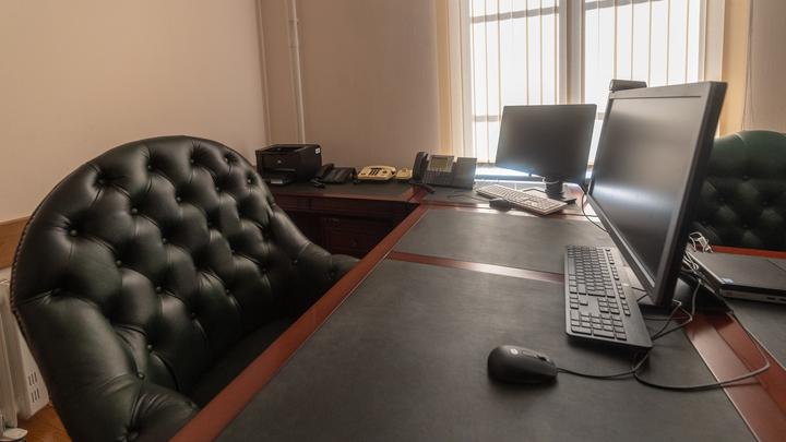 Не могу подвести земляков: Бывшая уборщица передумала покидать пост мэра