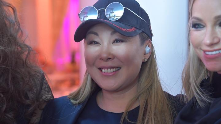 Купила билеты в Ухань: Анита Цой заразилась коронавирусом