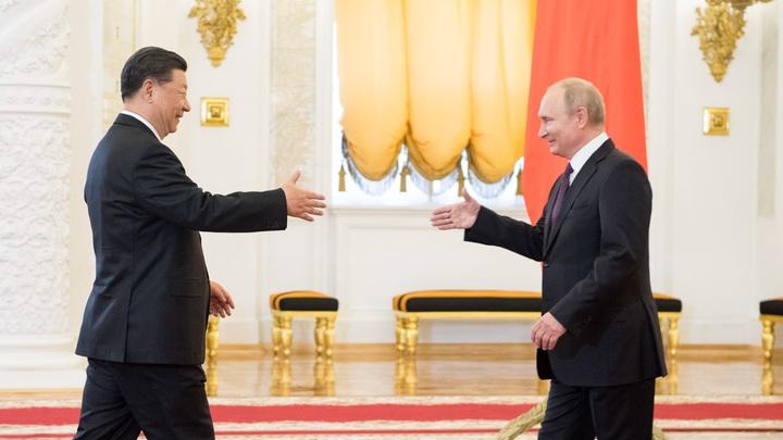 Иран подсмотрел опыт России и Китая по отказу от доллара