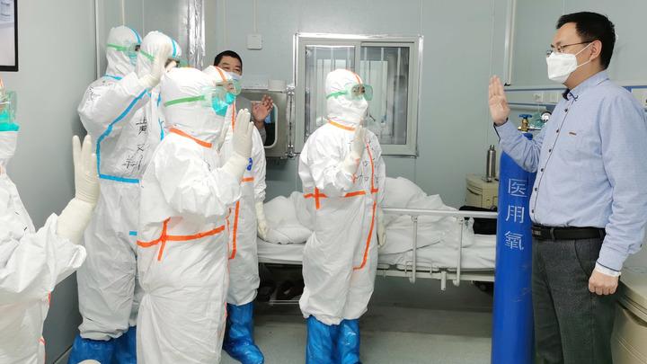 Ни одна из больниц его не забрала: Коронавирус унёс жизни кинорежиссёра Чанг Кая и его родных