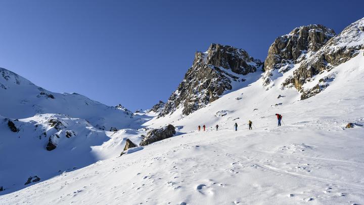 Точка невозврата пройдена: В Альпах выпал аномальный снег странного цвета