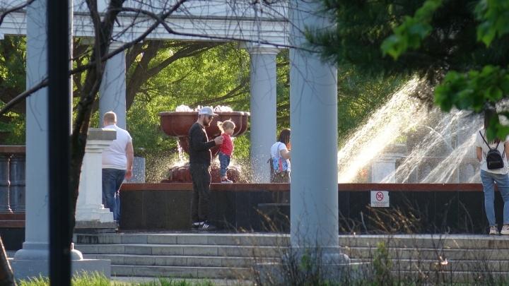 Кузбассовцев предупреждают о жаре и граде в субботу
