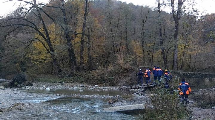 Плутал в районе каньона «Чертовы ворота»: В Сочи спасатели вывели из леса 60-летнего грибника