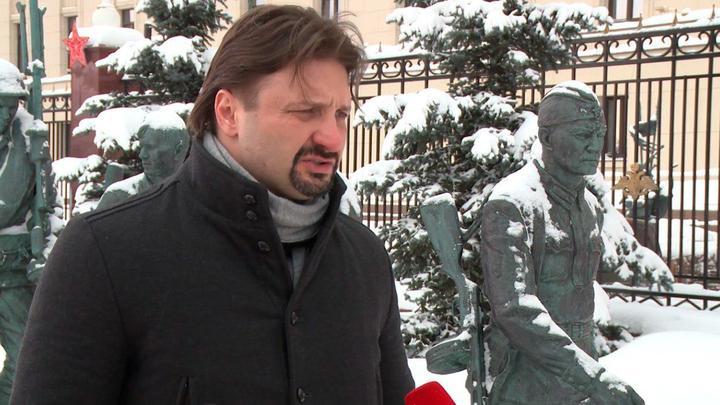 Роман - героический парень: Эдгард Запашный заявил, что восхищен подвигом русского летчика