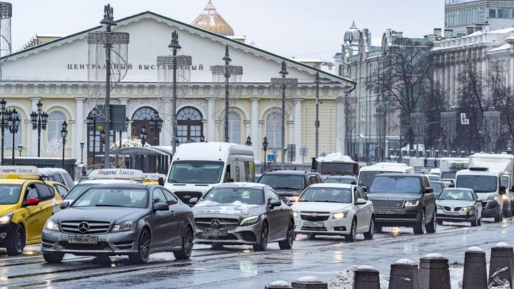 Автомобилистам назвали пять основ экономной езды