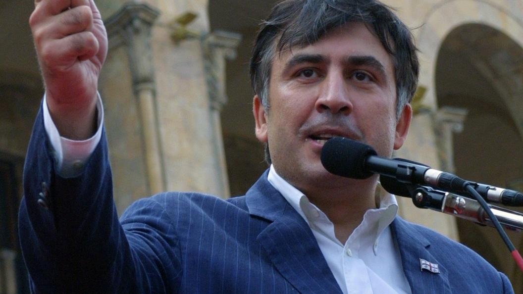 Лишенный гражданства Саакашвили пугает Порошенко Россией