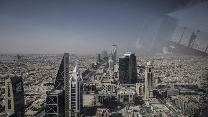 Перестрелка в Эр-Рияде обратила короля Саудовской Аравии в бегство