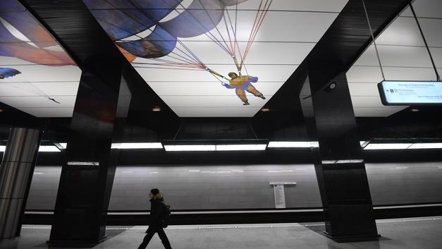 Разруха и новые технологии: Пользователи пришли в шок, сравнив метро в России и США