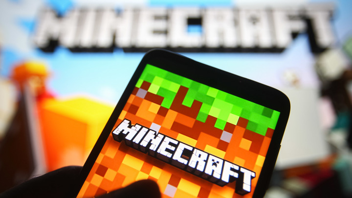 Подросток из Ростова построил копию здания правительства в Minecraft