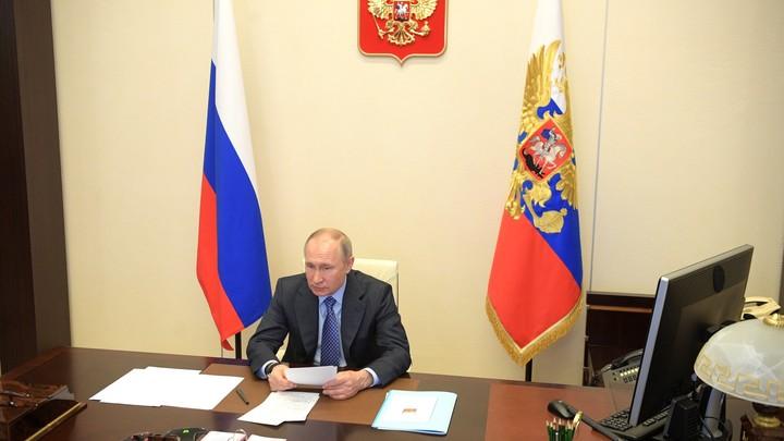 Никаких иностранных лимузинов: Путин предупредил госкомпании